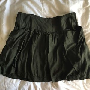 Army green skirt with pockets